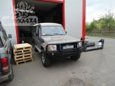 Bara fata OFF ROAD cu bull bar Toyota Land Cruiser HZJ 78