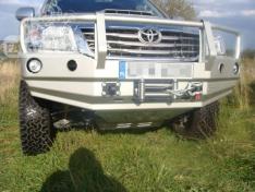 Bara fata OFF ROAD cu bull bar Toyota Hilux 11-15