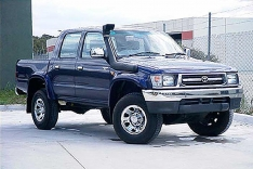 Snorkel Toyota Hilux 167 serie (12/1997 – 3/2005) (partea dreaptă)