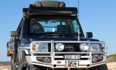 Bullbar Arb Deluxe pentru Toyota Land Cruiser HZJ70 (2007-) (cu overfendere)