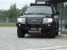 Bara fata cu bullbar pentru Toyota Land Cruiser J200 (2007-) modelul nou